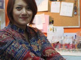 Kisah Sukses Wirausaha Ratna Miranti di Bisnis Glass Painting. Berawal dari Ketidaksengajaan